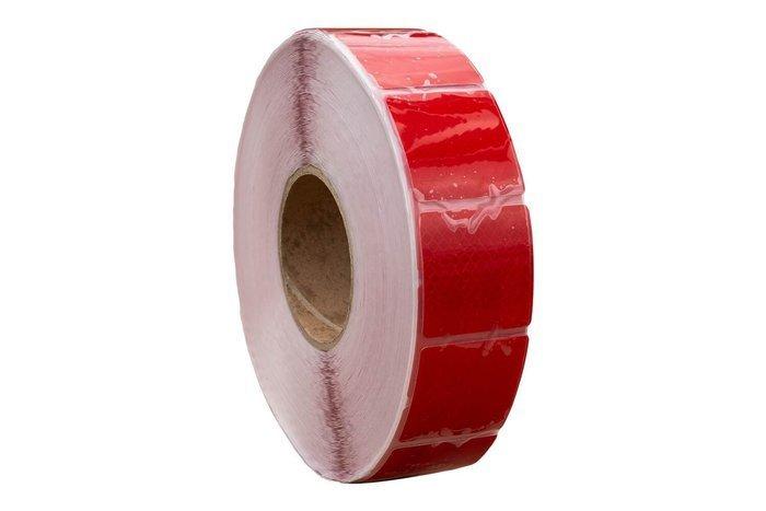 Rød reflekstape i segmenter 1 m